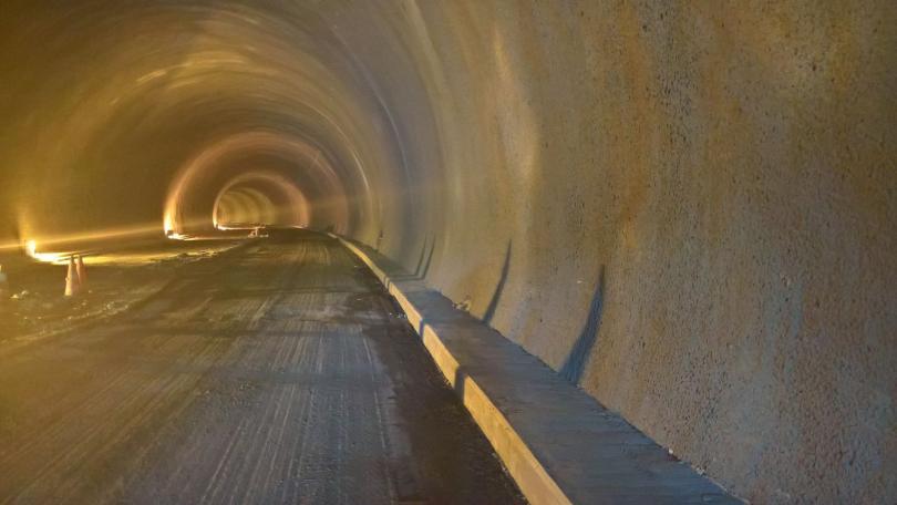 снимка 1 Ограничават движението в тунел Витиня