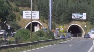 Работник пострада тежко при ремонта на тунел Витиня