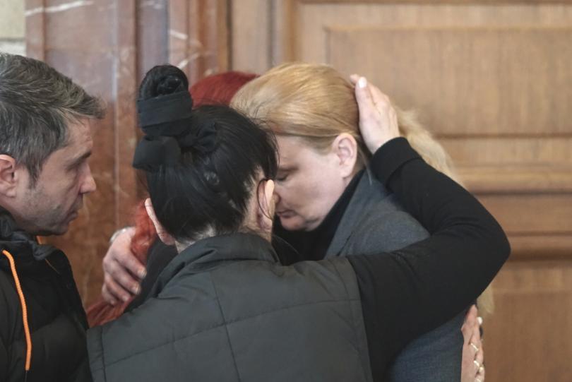 снимка 5 Започна делото за двойното убийство в квартал Надежда