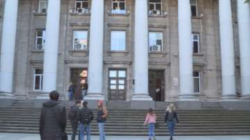 Студенти от Азия чакат с месеци за визи, за да учат в Русенския университет