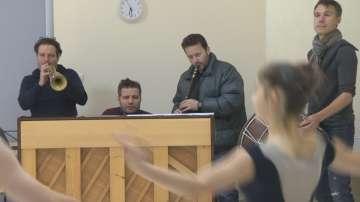 Внуците на Панчо Владигеров излизат на сцената на Сълза и смях