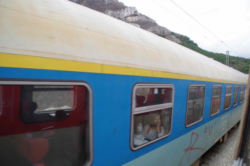 мъж самоуби скачайки влак
