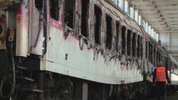 Експерти ще разследват причините за пожара във влака София-Бургас