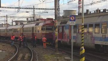 Два влака се сблъскаха насрещно в Чехия