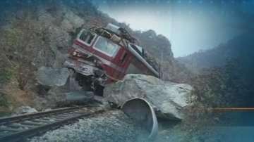 Очаква се утре да бъде възстановено движението на влаковете за Кулата
