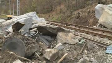 Очаква се днес да възстановят движението по жп линията Благоевград - Петрич