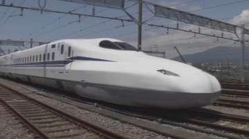 Япония пуска влак стрела без контактна мрежа