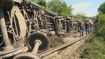 Товарен влак дерайлира край Храбърско
