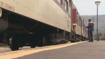 Мъж почина, след като беше намушкан с нож във влак кай Вакарел