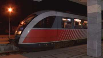 Франция спасява завод на Алстом с поръчка на 15 високоскоростни влака