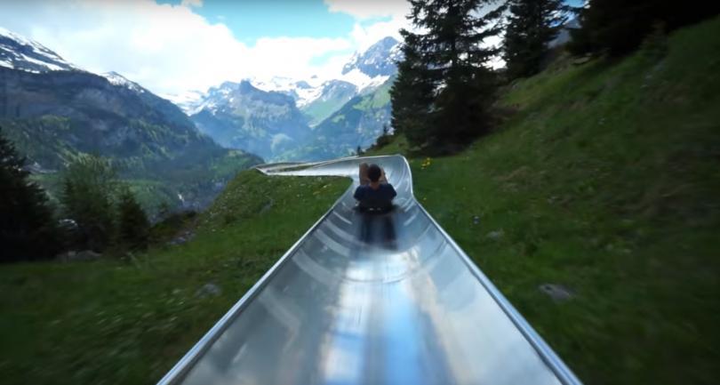 На влакче в Алпите