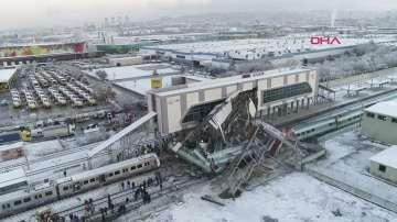 Четирима са загиналите при влаковата катастрофа в Анкара, а 43 са ранени