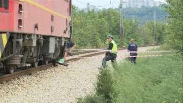 Двама души загинаха при неправилно пресичане с кола на жп прелез