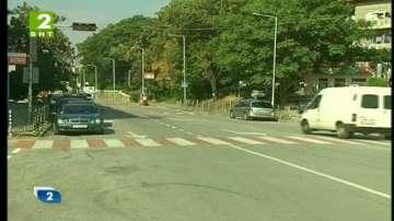 Подновяват пътната маркировка в Благоевград