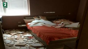 Таван на ново жилище в София се срути върху спалня