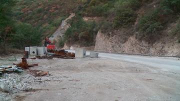 Пътят Кричим-Девин остана затворен за няколко часа