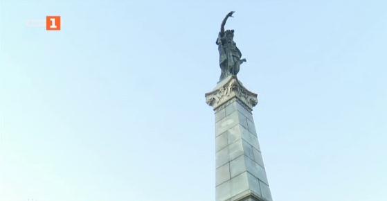 Символът на Русе-паметникът на Свободата се руши и се нуждае