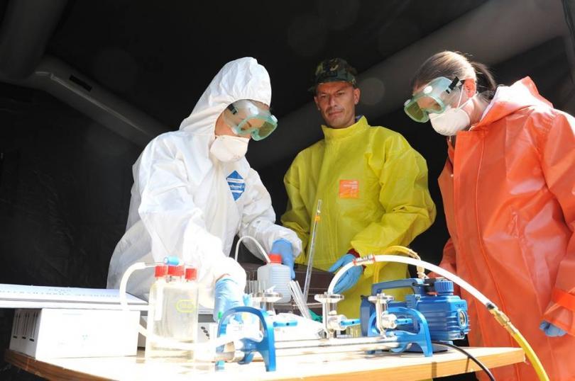 снимка 2 Екипи на ВМА тренираха за бедствие с много пострадали и заплаха от епидемия