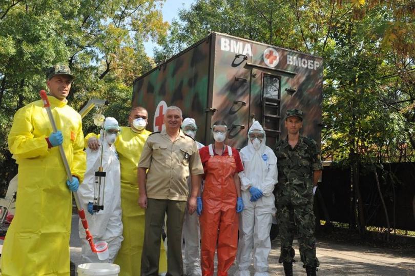 снимка 7 Екипи на ВМА тренираха за бедствие с много пострадали и заплаха от епидемия