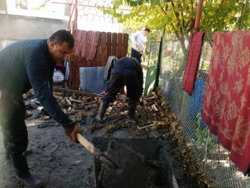 военнослужещи вмс оказват помощ пострадали наводненията област бургас