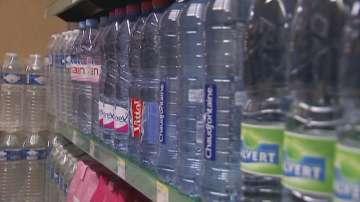 Има ли пластмаса в бутилираната вода?