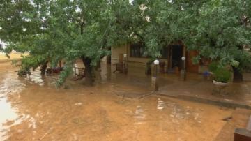 Гърция е засегната от наводнения, в Истанбул - проливен дъжд и ураганен вятър