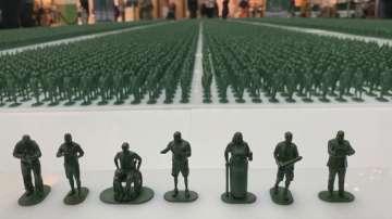 Инсталация с 40 000 фигурки на войници в подкрепа на ветераните в Манчестър