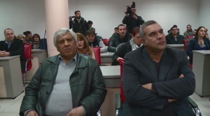 Снимка: Напрежение заради завръщане на част от ромските семейства във Войводиново