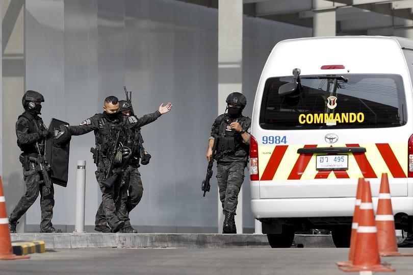 Войникът, застрелял 20 души в мол в тайландския град Корат,