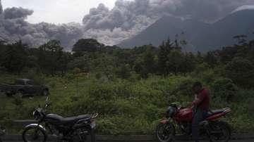 Вулкан погуби десетки в Гватемала