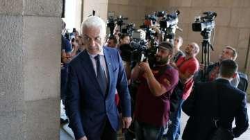 Скандал в парламента: Валентин Касабов блъснал ли е Волен Сидеров?