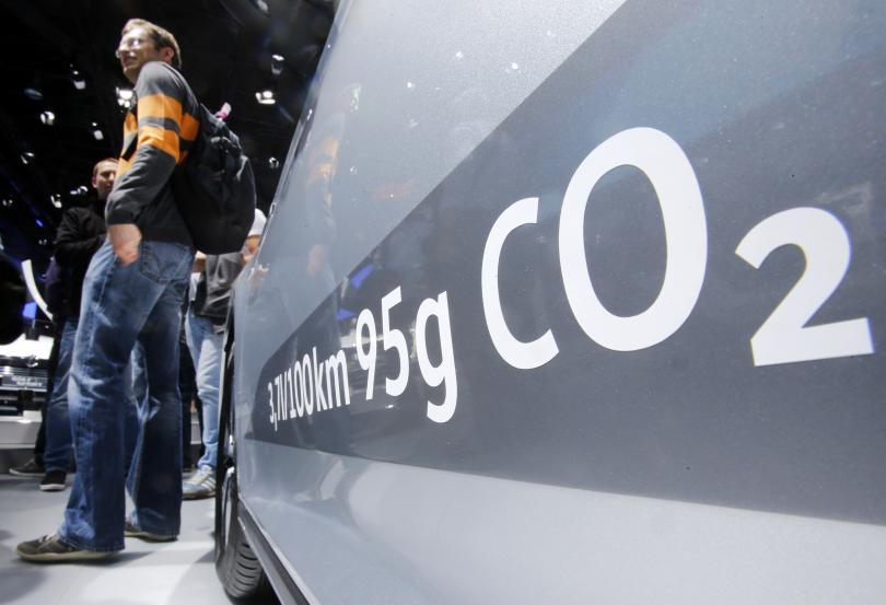 По-стриктни въглеродни норми за новите автомобили застрашават до 100 000