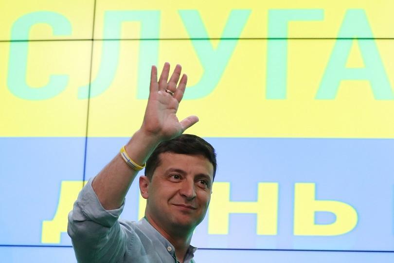 Партията на украинския президент Володимир Зеленски е големият победител в