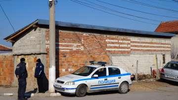 Пловдивският съд остави за постоянно в ареста двамата братя роми, пребили военен