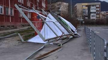 Община Враца отвори гише за сигнали за щети от силния вятър