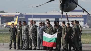 Учение на военни самолети на НАТО край София