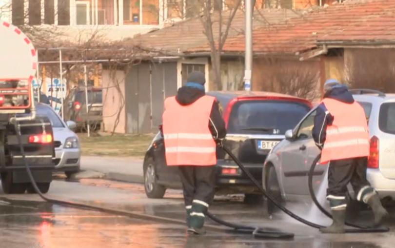 С питейна вода мият улиците на Велико Търново