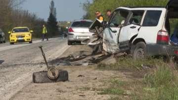 Четирима души пострадаха при верижна катастрофа на пътя София - Варна