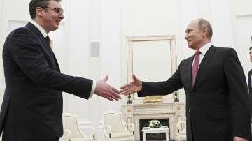 Путин и Вучич обсъдиха доставкита на руски газ за Сърбия