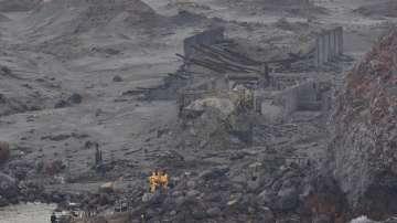 Жертвите на вулкана в Нова Зеландия вече са 16, водолази издирват още изчезнали