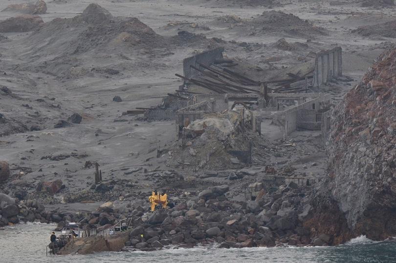 жертвите вулкана нова зеландия вече водолази издирват изчезнали