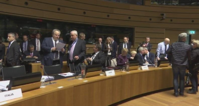 В момента външните министри от ЕС изработват обща позиция за