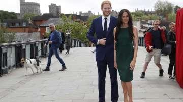 Восъчни фигури на принц Хари и Меган Маркъл се появиха в Уиндзор (СНИМКИ)
