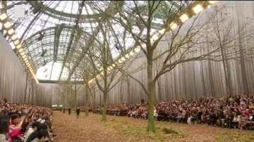 ДРУГИТЕ новини: Модна разходка в гората