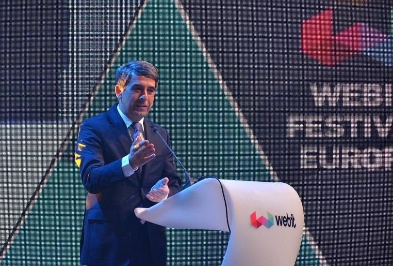 президентът плевнелиев удостоен специалната награда webit