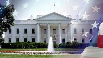 Белият дом е отцепен, след като автомобил удари бариера