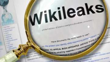 Уикилийкс публикува близо 5000 документа за Франсоа Фийон и Марин Льо Пен