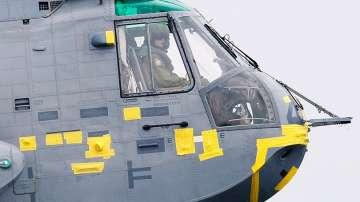 Принц Уилям в ролята на пилот на въздушна линейка