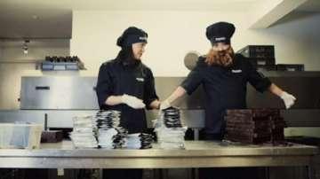Равнопоставени ли са мъжете и жените на работното място?