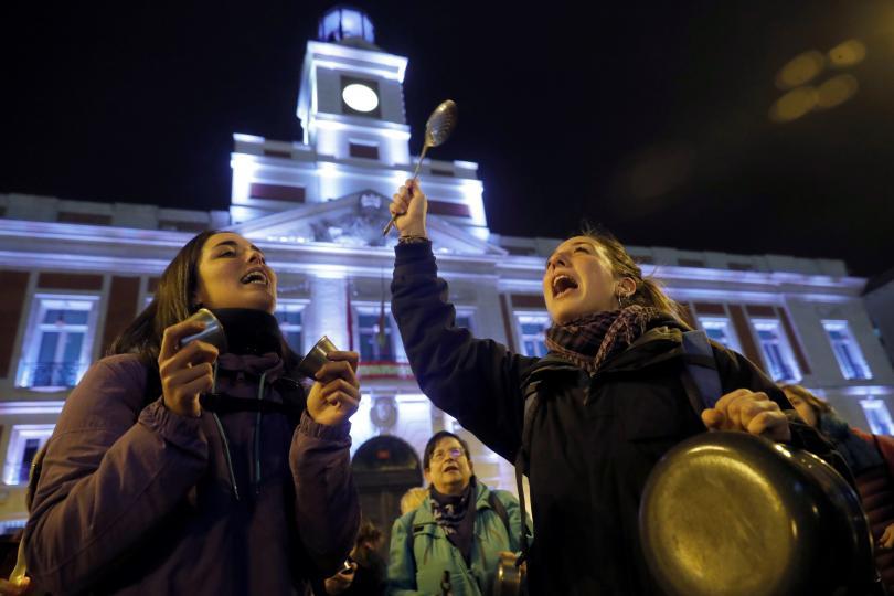 Стотици испанки излязоха на протест в центъра на Мадрид в